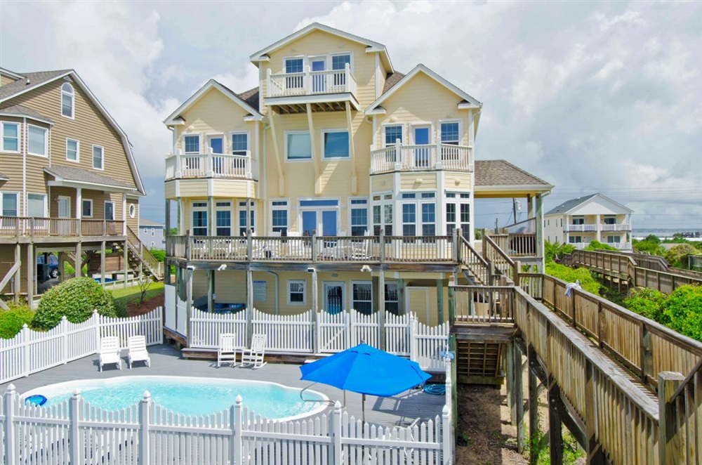 Crystal coast rentals emerald isle rentals 1 cottage for 8 bedroom vacation homes