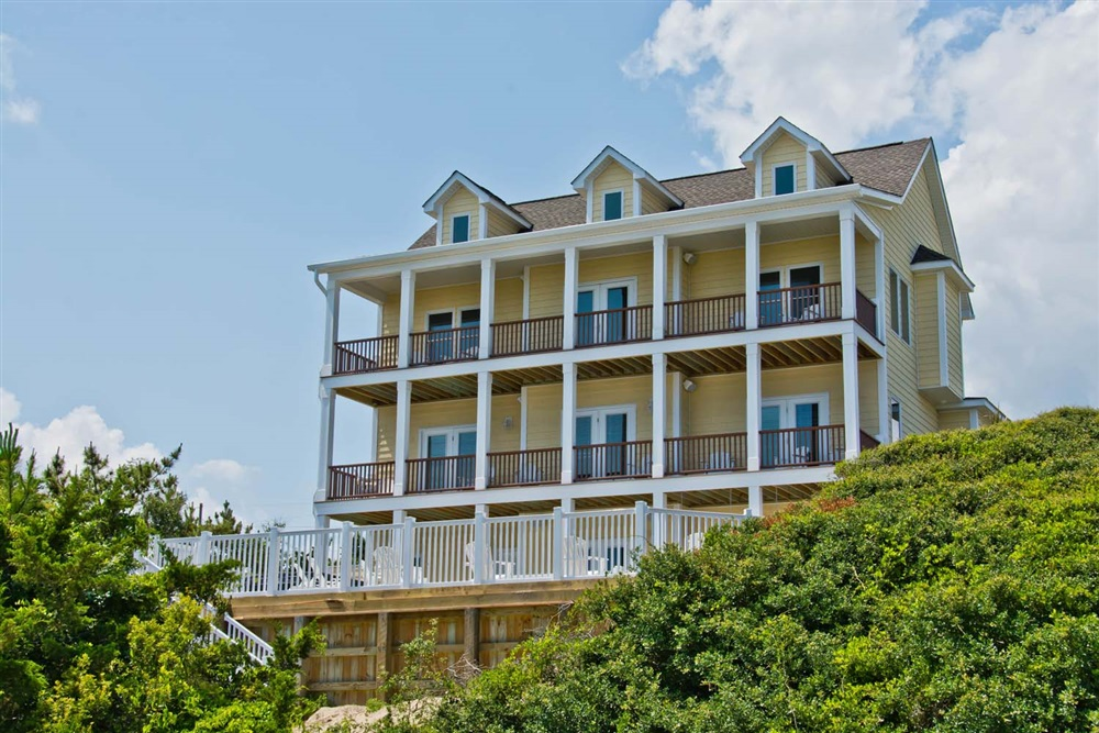 Crystal Coast Rentals Emerald Isle Rentals Beached 6 Bedroom Almost Oceanfront House