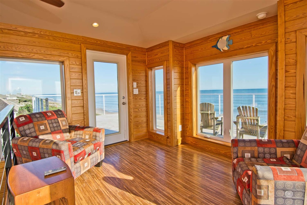 Sunshine estates bluewater nc emerald isle and atlantic beach seating with access to an expansive uncovered tile balcony malvernweather Gallery